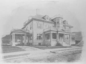 houghton_mansion.jpg